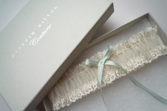 vintage style garter