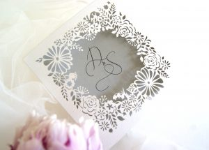 WEDDING WREATH WALLET STYLE INVITE